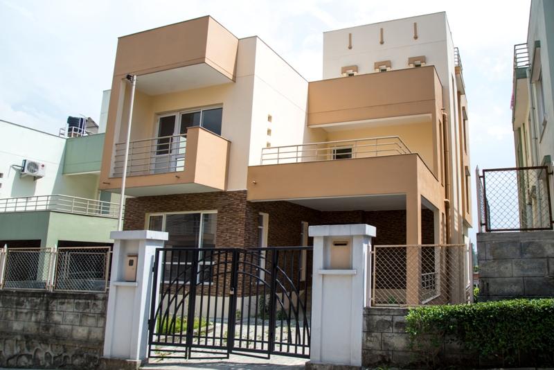 Veena's Residency